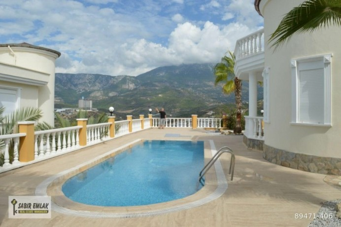 seaview-villa-for-sale-in-alanya-with-private-pool-indoor-parking-big-16