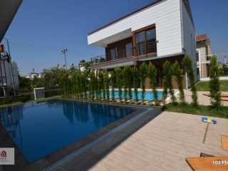 4 + 1 DETACHED VILLA WITH POOL IN THE CENTRE OF ANTALYA BELEK