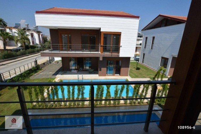 4-1-detached-villa-with-pool-in-the-centre-of-antalya-belek-big-3