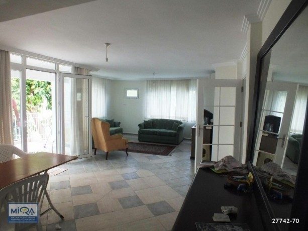 apartment-for-sale-in-kemer-centre-just-100-metres-from-the-sea-big-3