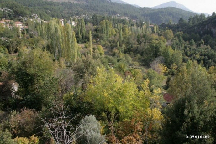 plot-with-bargain-view-in-the-most-beautiful-plateau-of-antalya-big-4