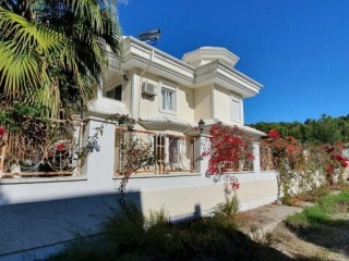 ATTRACTIVE 4 + 1 DETACHED VILLA FOR SALE IN THE PINE FORESTS IN KEMER
