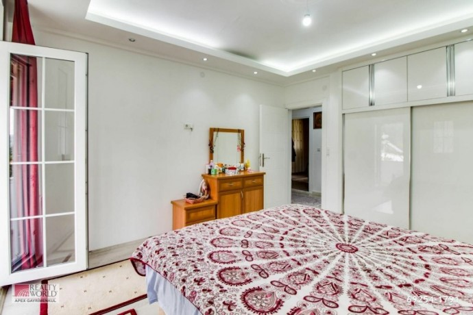 for-sale-in-kemer-camyuva-super-luxury-furnished-villa-with-pool-in-site-big-15