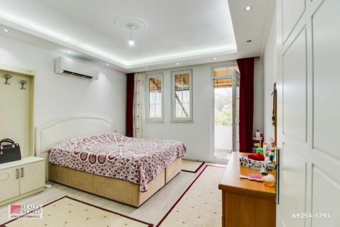 for-sale-in-kemer-camyuva-super-luxury-furnished-villa-with-pool-in-site-big-16