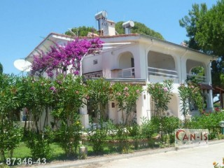 Full Furnished 3 Bedroom Villa for sale on the sea in Kemer Çamyuva