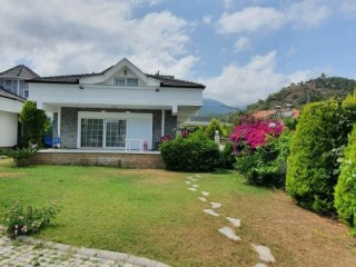 MANICURED TRIPLEX VILLA FOR SALE IN KEMER TOWN CENTRE