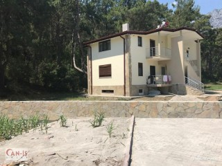 Forest-based apartments for sale on 3500m2 land in Kemer Göynük