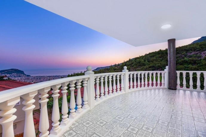 ultra-luxury-villa-with-31-private-pool-in-alanya-big-17