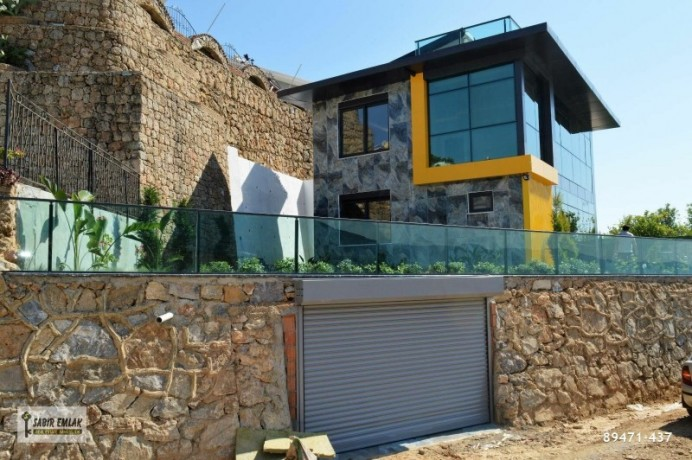 detached-villa-with-private-pool-for-sale-in-alanya-with-sea-view-big-0