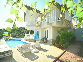 ALANYA BEKTAŞ FULL MANICURED AND FURNISHED VILLA
