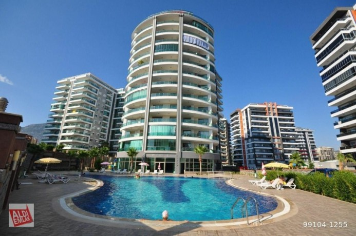 11-near-the-sea-full-activity-75-square-meters-alanya-big-0