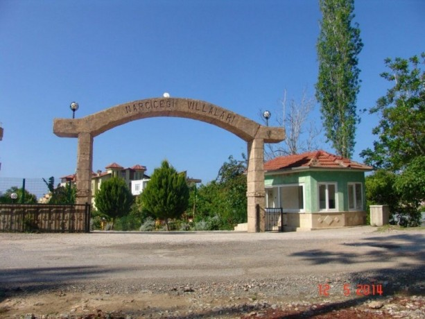 alanya-real-estate-incekum-triplex-for-sale-with-garden-for-sale-big-0