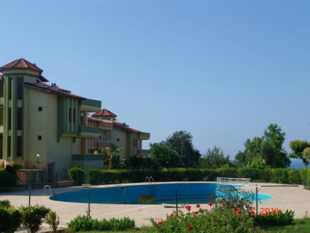 alanya-real-estate-incekum-triplex-for-sale-with-garden-for-sale-big-2