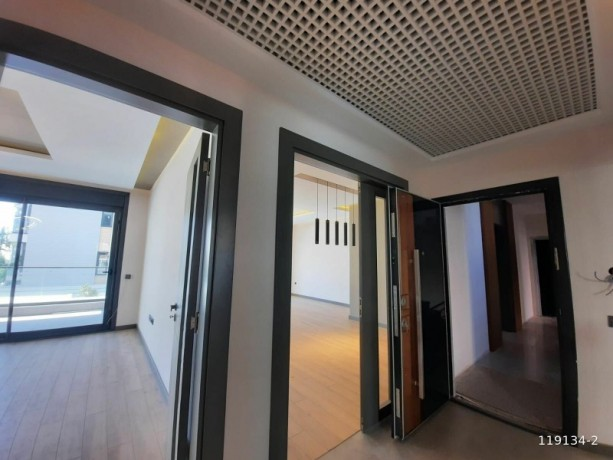 735-m2-31-apartment-with-a-separate-kitchen-for-sale-in-the-heart-of-alanya-big-2