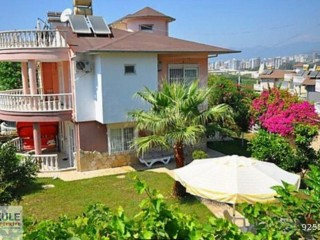 OWNER OF ALANYA KARGICAK LUXURY VILLA WITH DETACHED GARDEN