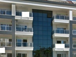 Alanya Cleopatra very close to the sea 1 + 1 swimming pool goods 375,000 TL