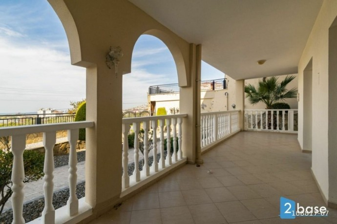 2-1-apartment-for-sale-in-antalya-alanya-site-intertwined-with-nature-big-5