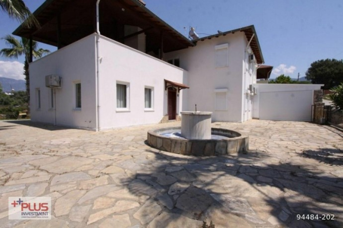 villa-for-sale-with-garden-in-700m2-plot-in-alanya-oba-big-1