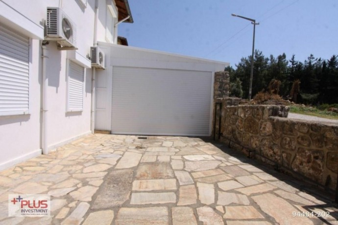 villa-for-sale-with-garden-in-700m2-plot-in-alanya-oba-big-3