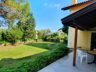 Uncomplete opportunity to renovate house for sale in Kemer