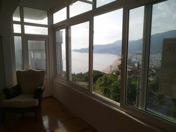 31-separate-kitchen-apartment-with-views-of-alanya-castle-forest-and-sea-big-6