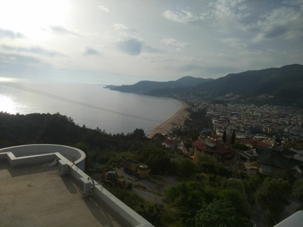 31-separate-kitchen-apartment-with-views-of-alanya-castle-forest-and-sea-big-0