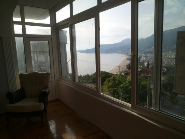 31-separate-kitchen-apartment-with-views-of-alanya-castle-forest-and-sea-big-4
