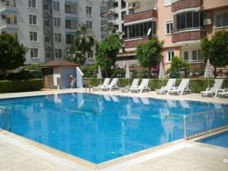 APARTMENT FOR SALE IN ALANYA - 3+1 WITH POOL IN THE CENTER