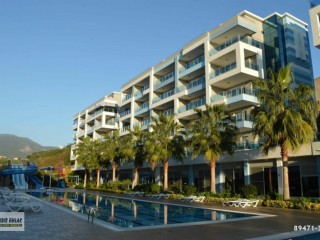 APARTMENT FOR SALE IN ALANYA WITH SEA VIEW AND THE MOST BEAUTIFUL HOUSE ON THE SITE