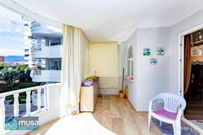21-apartment-in-alanya-tosmur-mah-site-with-large-garden-with-pool-big-5