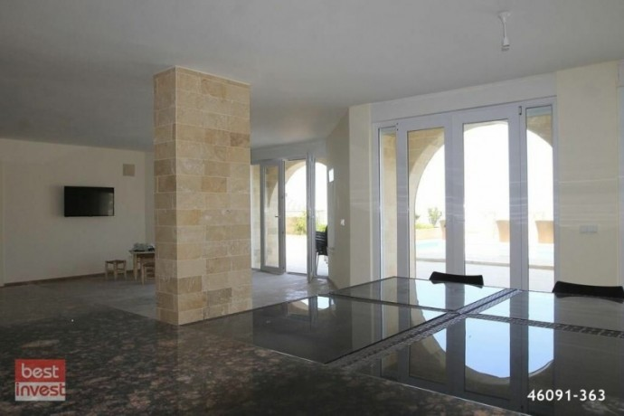 villa-for-sale-in-alanya-large-villa-with-sea-view-big-13