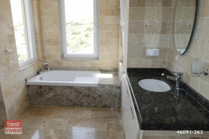 villa-for-sale-in-alanya-large-villa-with-sea-view-big-17