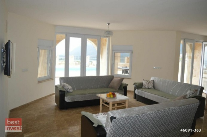 villa-for-sale-in-alanya-large-villa-with-sea-view-big-3