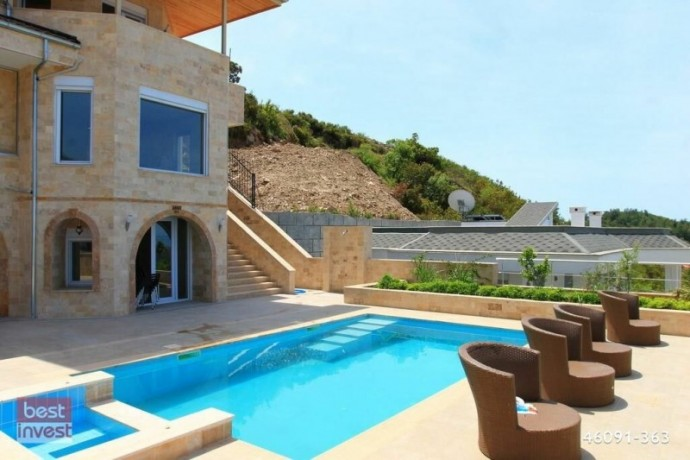 villa-for-sale-in-alanya-large-villa-with-sea-view-big-8