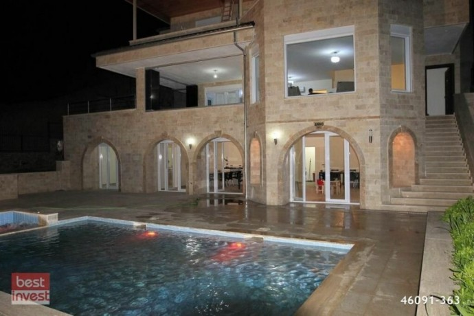 villa-for-sale-in-alanya-large-villa-with-sea-view-big-2