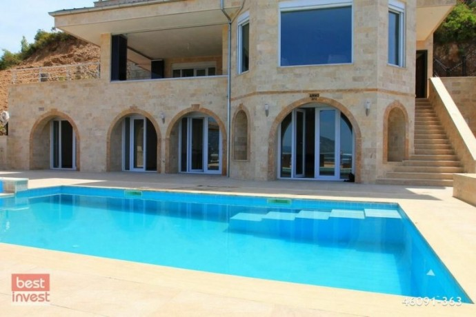 villa-for-sale-in-alanya-large-villa-with-sea-view-big-7