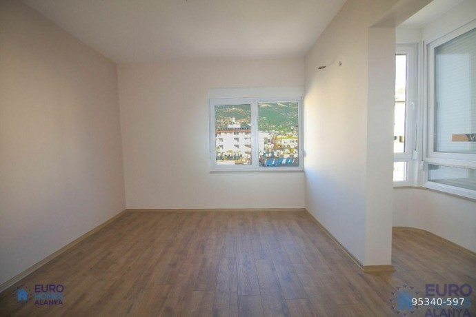 alanya-ataturk-cad-apartment-for-sale-with-full-sea-view-big-14