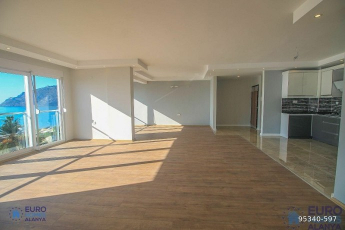 alanya-ataturk-cad-apartment-for-sale-with-full-sea-view-big-3