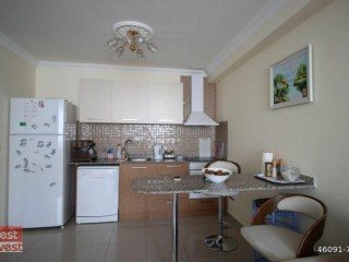 1+1 Apartment with full furniture in the complex in Alanya Mahmutlar