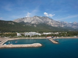 Kemer housing zone land for sale 5.850 m2 by beach