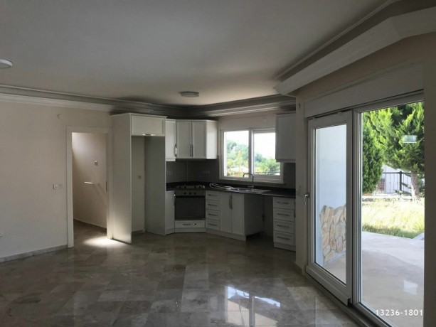 detached-villa-for-sale-in-alanya-with-garden-pool-big-7