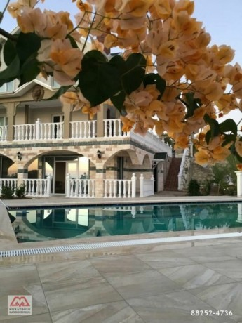 nice-alanya-incekum-villa-for-sale-3-floors-sea-view-7-bedroom-big-3