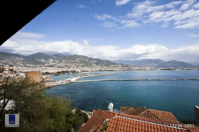 21-apartments-for-sale-in-the-historical-alanya-castle-walls-big-0