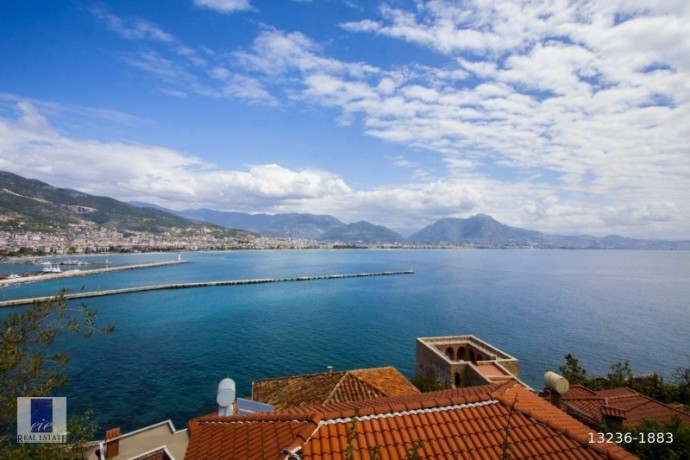 21-apartments-for-sale-in-the-historical-alanya-castle-walls-big-3
