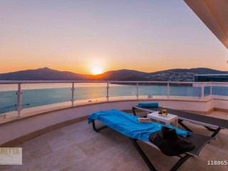 4+2 Super Luxury Villa in Kalkan Barracks Bay, Turkey