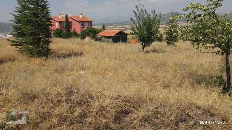 korkuteli-uzun-oluk-district-corner-head-513-m2-zoned-plot-big-4