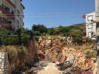 270 m2 Housing Land for sale in Karşıyaka side of Antalya