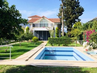 Kemer detached house for sale with pool by the beach