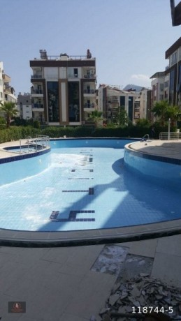 21-apartment-with-pool-and-security-for-sale-big-10