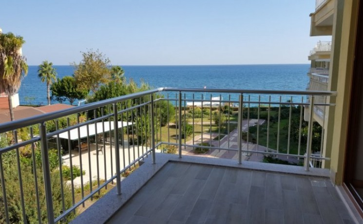 seaview-beach-apartment-for-sale-in-kemer-marina-big-1